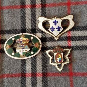 Canadian badges priced individually Be